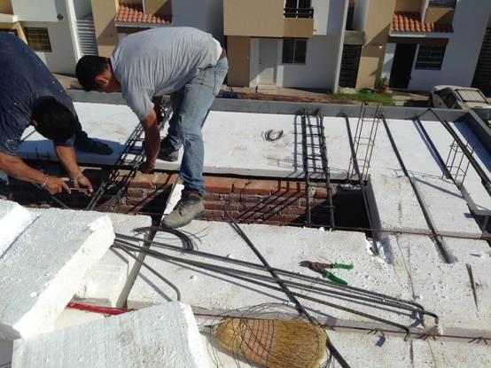 Paso a paso la construcci n de una casa peque a for Construccion de casas paso a paso