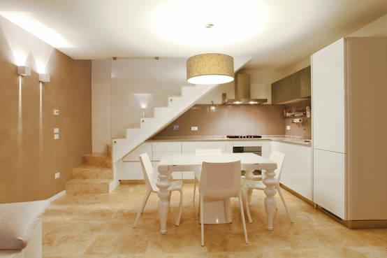 7 arredamenti eleganti che sfruttano al massimo le scale for Arredamenti case eleganti