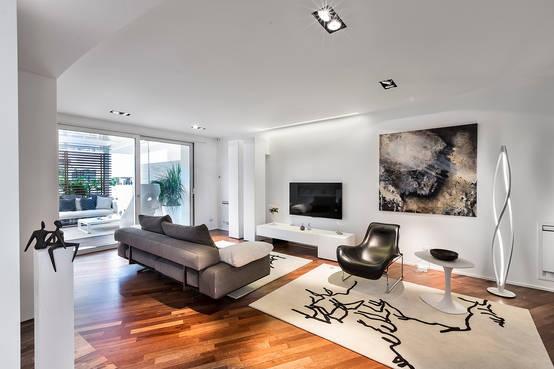 Una casa moderna e minimal che lascia a bocca aperta for Casa moderna ristrutturata