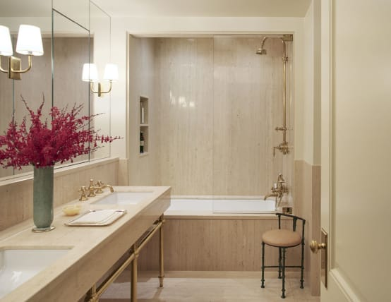 How to integrate wood into your bathroom