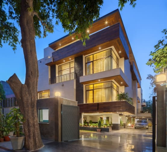 Modern Luxury House Design New Delhi Residence Pictures: A Large And Luxurious Residence In New Delhi