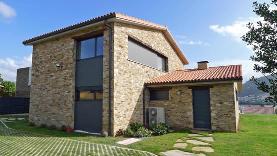 Un casa in pietra e legno tutta da scoprire for Casa di facciata in pietra