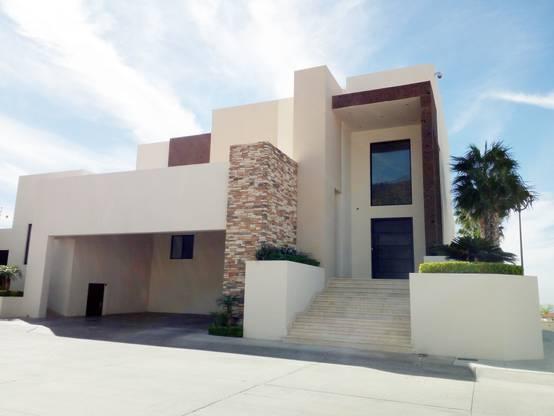 Moderna y de dos pisos: ¡esta casa en Hermosillo es de inspiración!