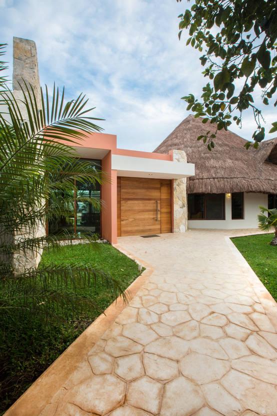Casa moderna con toque tropical en yucat n for Casa moderna bella faccia