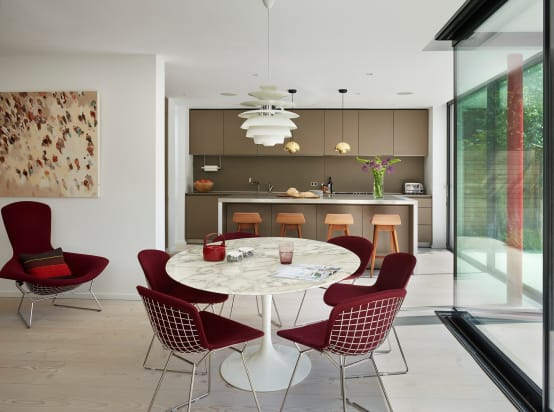 What to choose: a kitchen table or island?