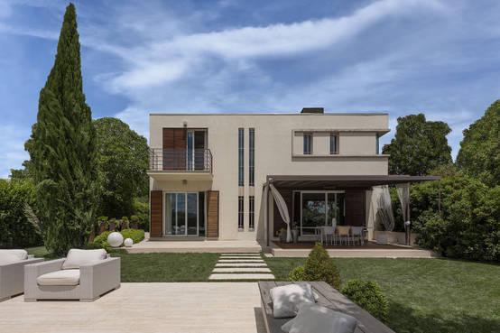 Realizzazione casa moderna con piscina in umbria for Casa moderna a foligno
