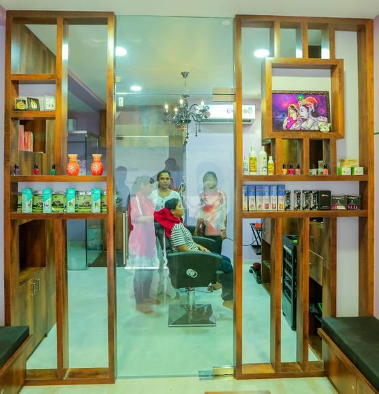 Bedroom Designs From Professionals In Hyderabad  C2NyYXBlLTEtRHBWSGVH: Homify