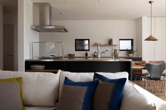 上質なインテリアの中で暮らせるシンプルな家