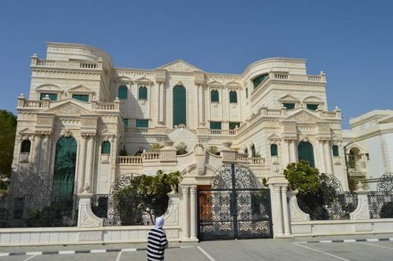 قصر الفلاحي.. تحفة معمارية زينها الحجر الطبيعي بزخارفه الفنية