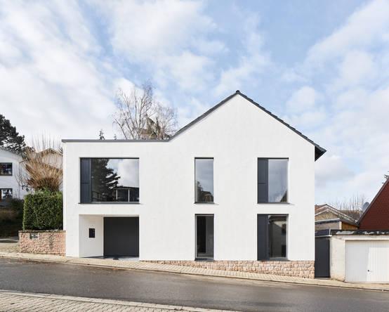 Vorher-Nachher: Altes Haus erhält neue Wohnqualität | homify