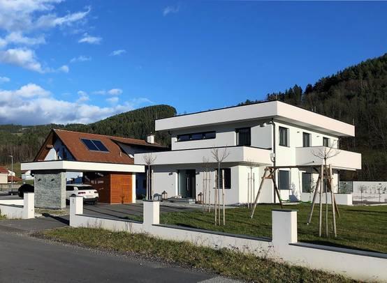 Einfamilienhaus mit markanter Attika für ein individuelles Design