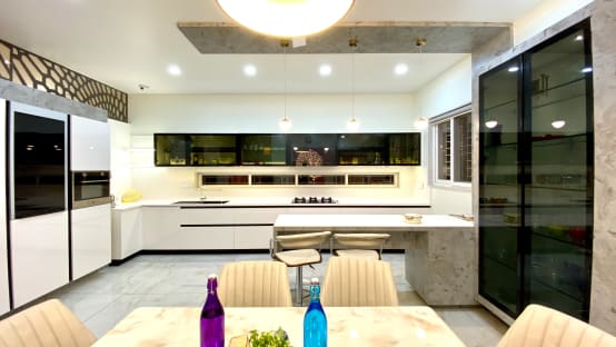 Innovative ideas for decorating kitchen shelves to add style