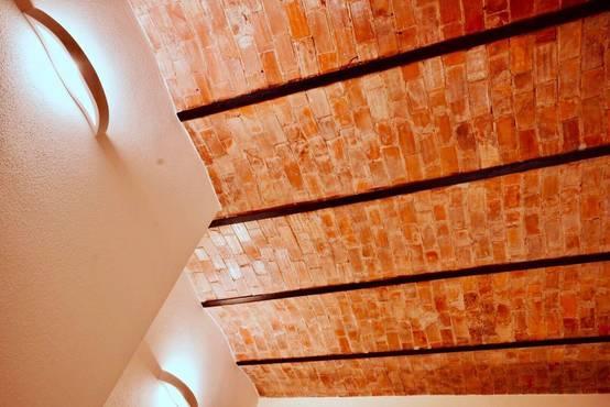 Ristrutturazione tra Tutela e Salvaguardia: Restauro nel Centro Storico a Olbia | homify | homify