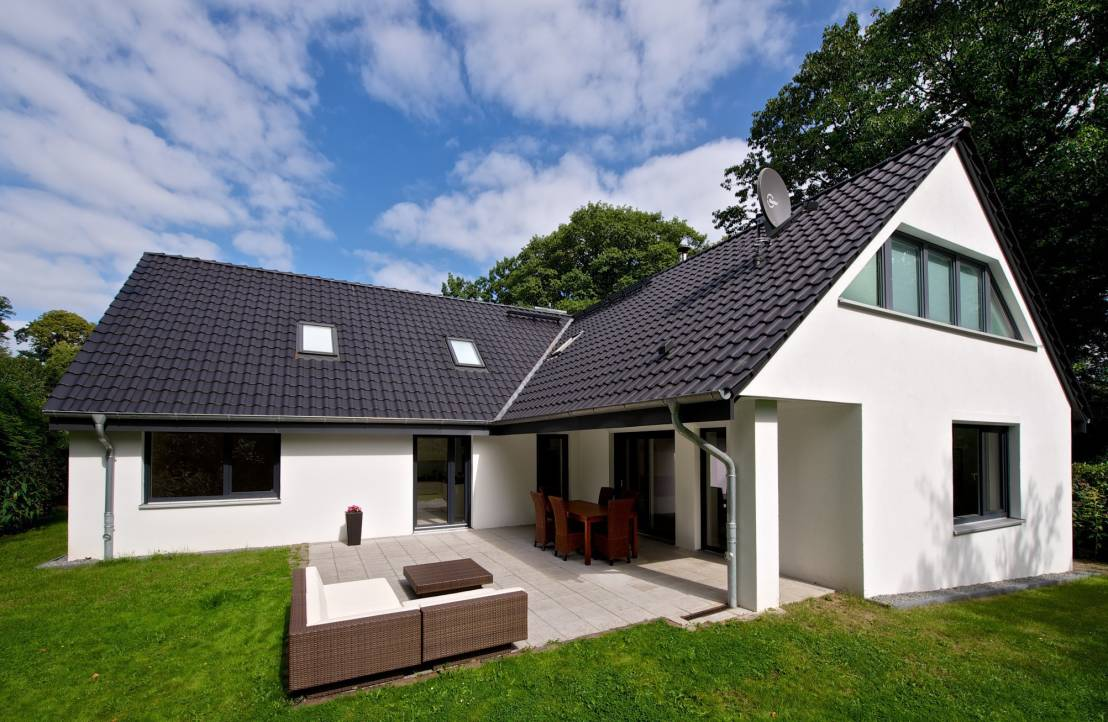 modernisierung eines wohnhauses. Black Bedroom Furniture Sets. Home Design Ideas