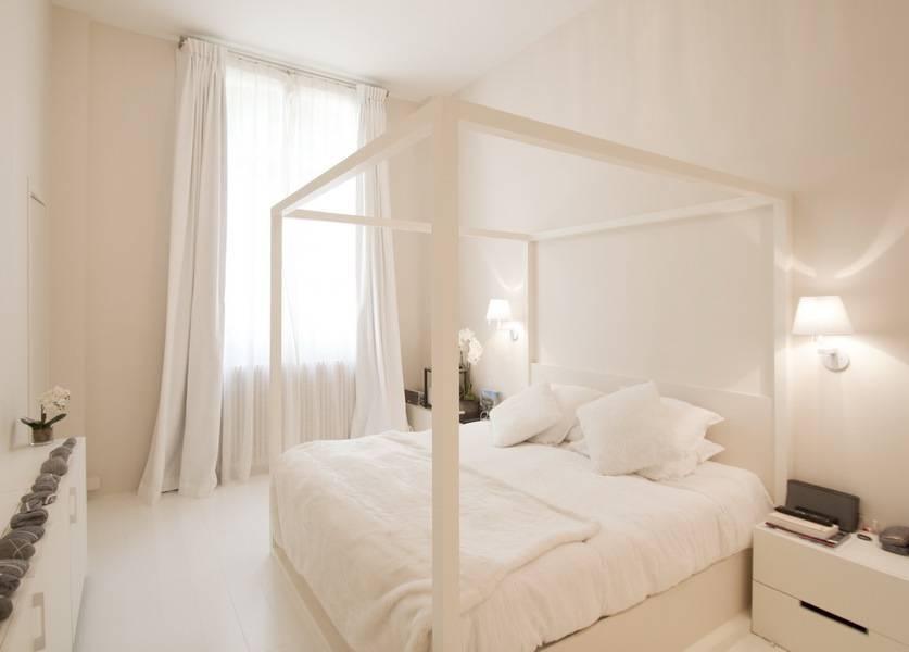 10 chambres minimalistes super originales. Black Bedroom Furniture Sets. Home Design Ideas