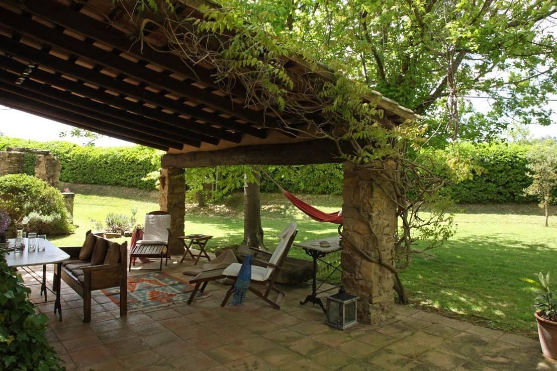 4 tipos de pavimento para exteriores ventajas e for Decoracion jardines exteriores rusticos