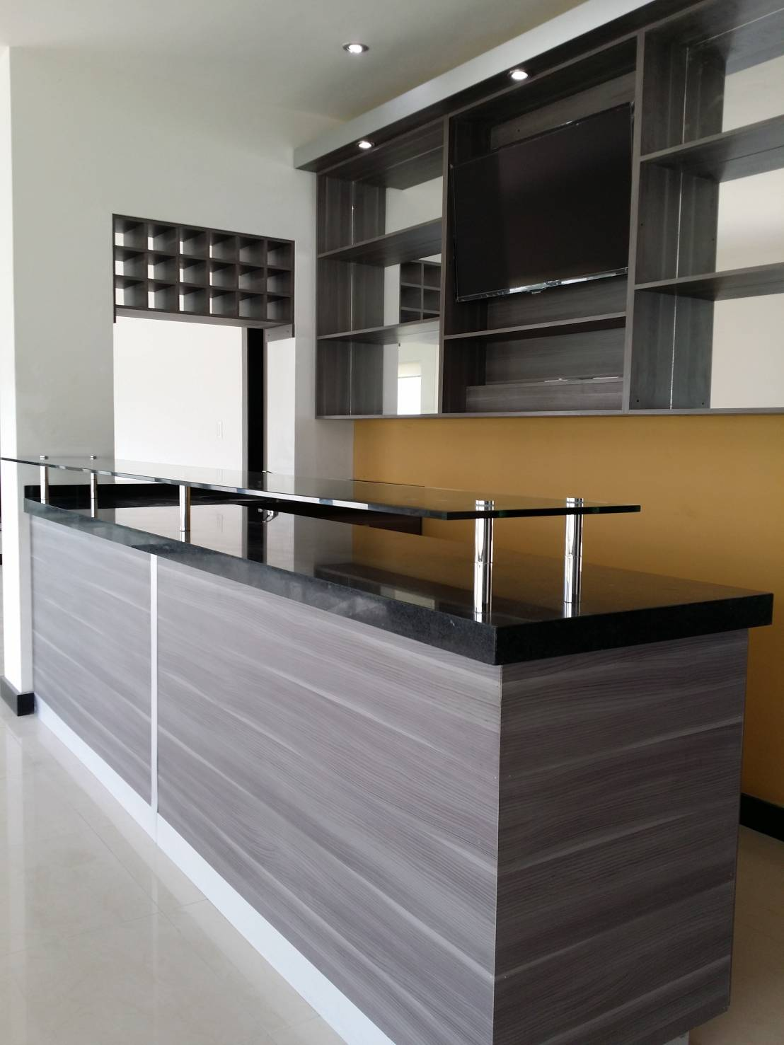 Barra tipo bar de baldai mobiliario homify for Bar para cocina