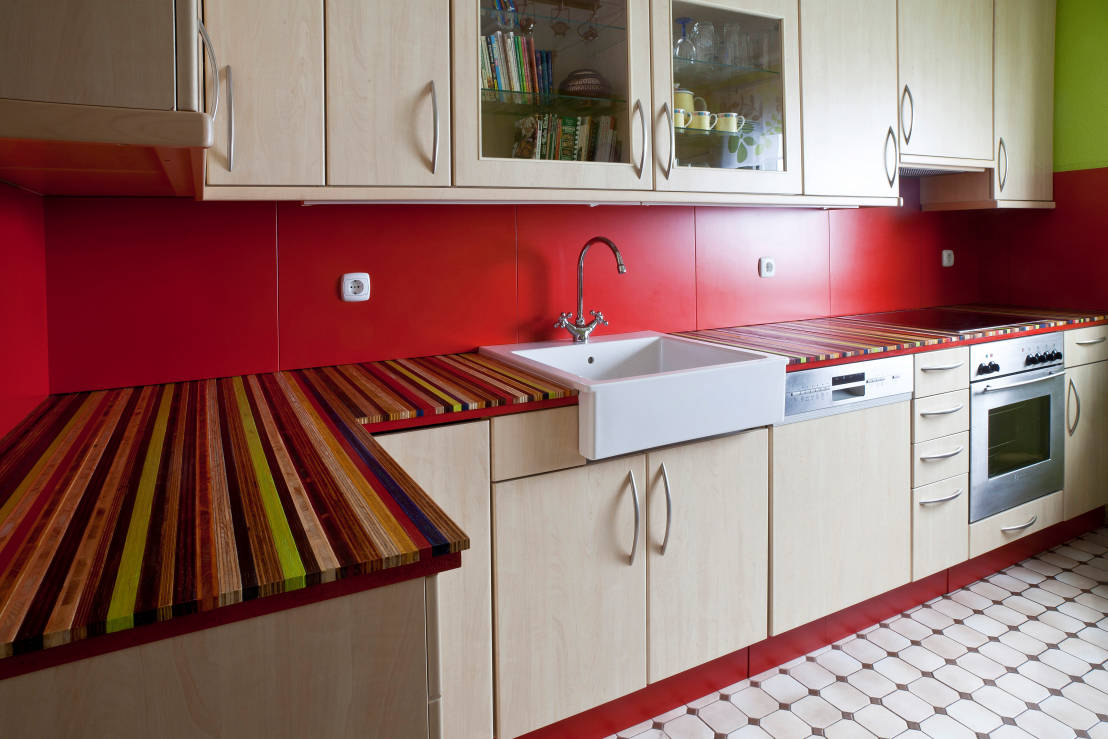 farbe in der k che. Black Bedroom Furniture Sets. Home Design Ideas