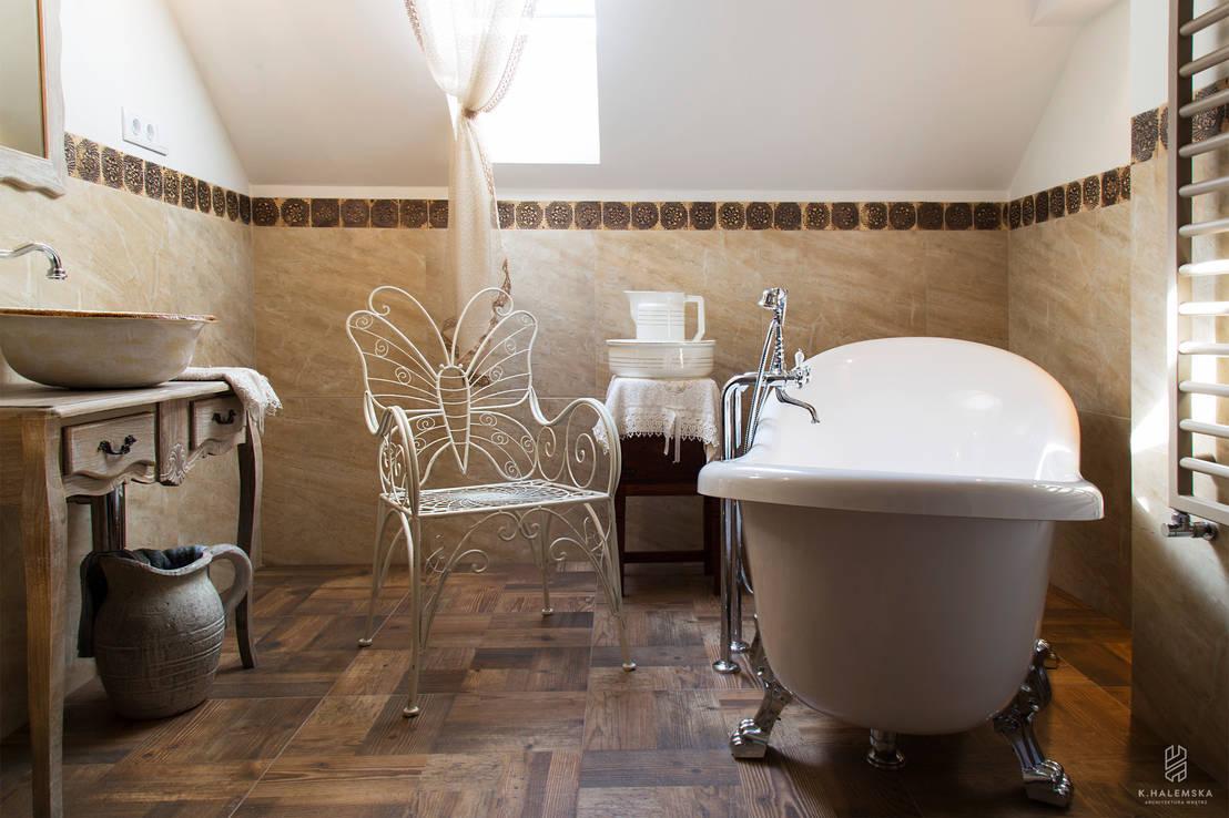 Baños Estilo Natural:Cuartos de baño rústicos, diseño con estilo natural