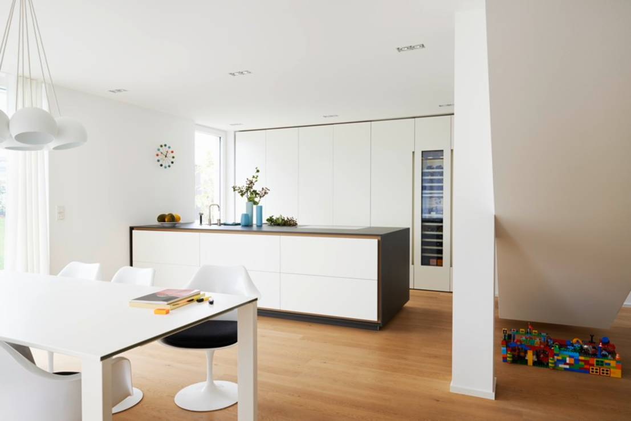 Soggiorno con cucina a vista 6 idee per definire gli spazi for Arredare senza confini