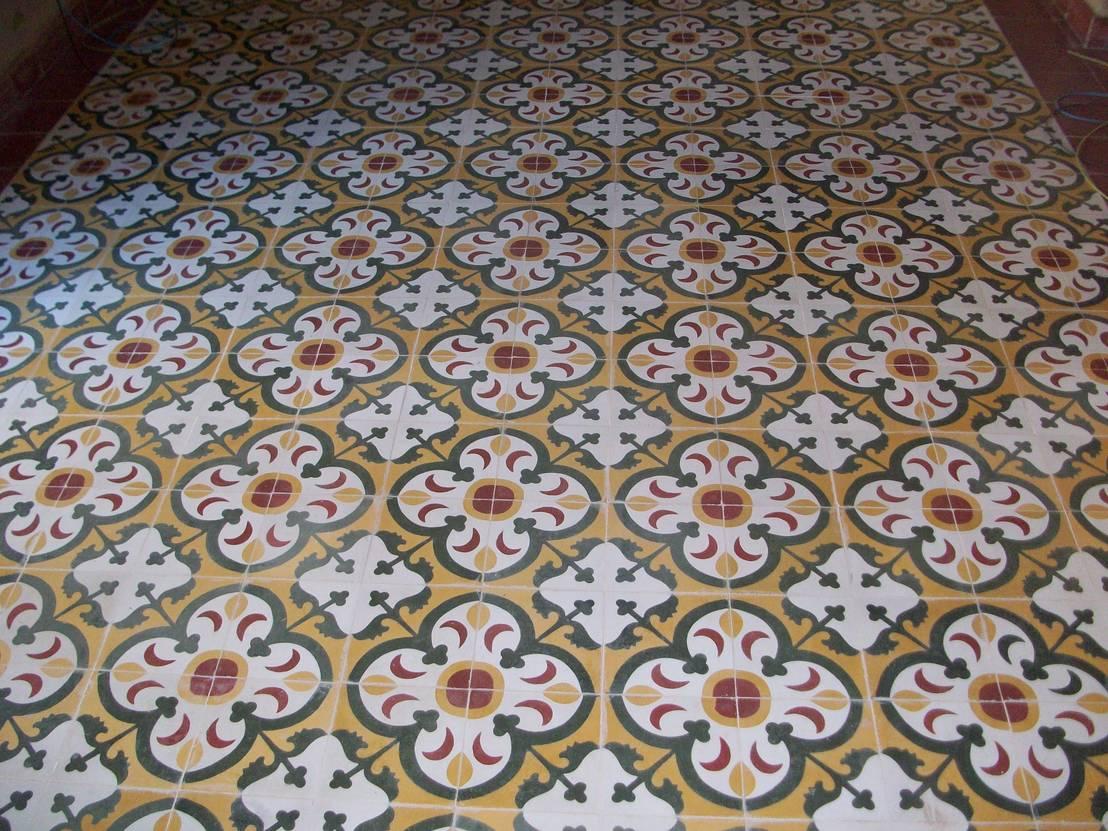 Baldosas hidr ulicas artesan a en el siglo xxi - Azulejos para el suelo ...