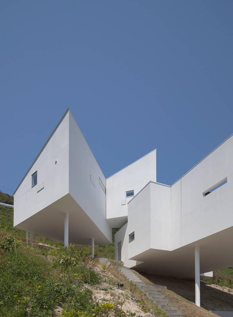Maison g om trique futuriste et design for Architecture geometrique