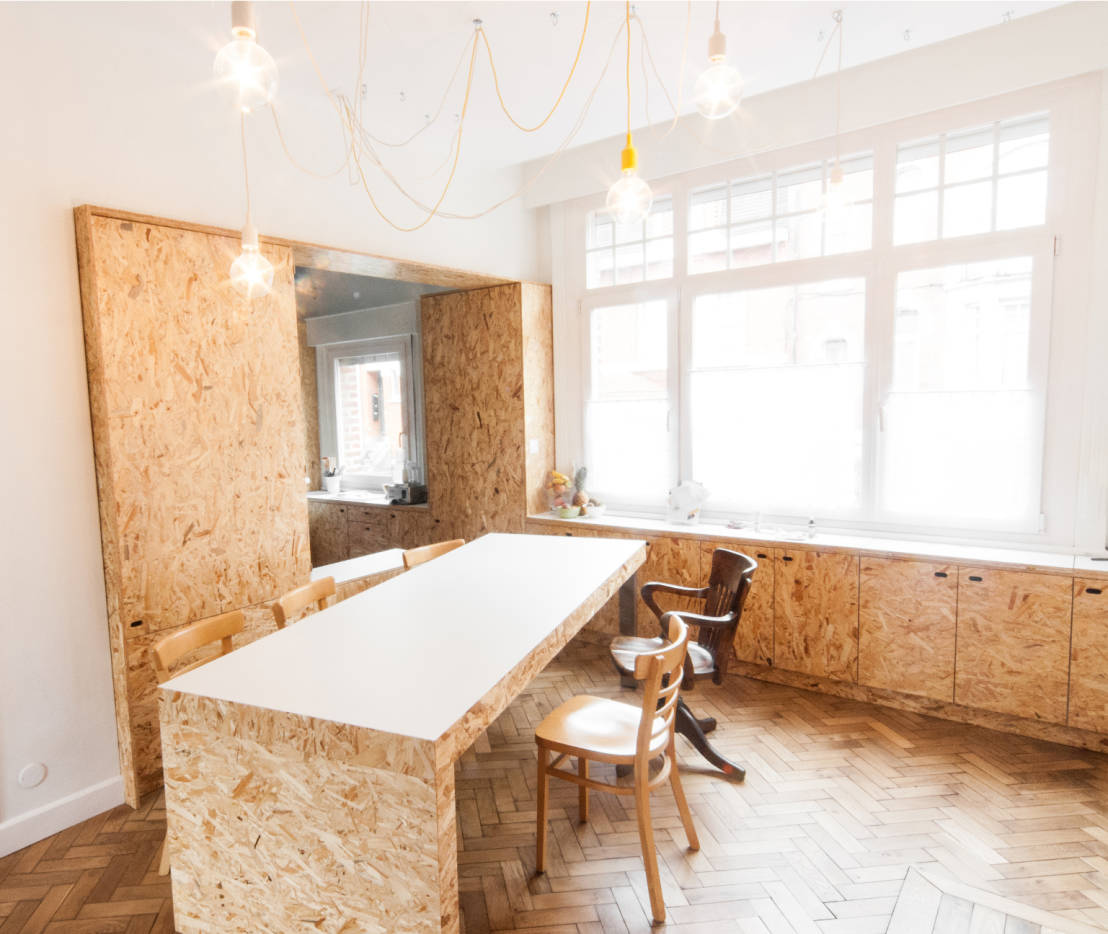 13 ideas para utilizar madera comprimida en el dise o de - Estantes para interior ducha ...