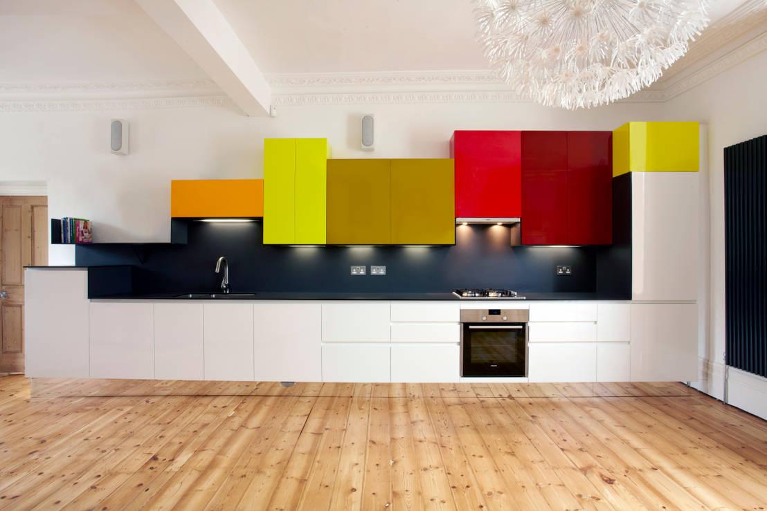 cucine moderne grandi e piccole bianche e colorate