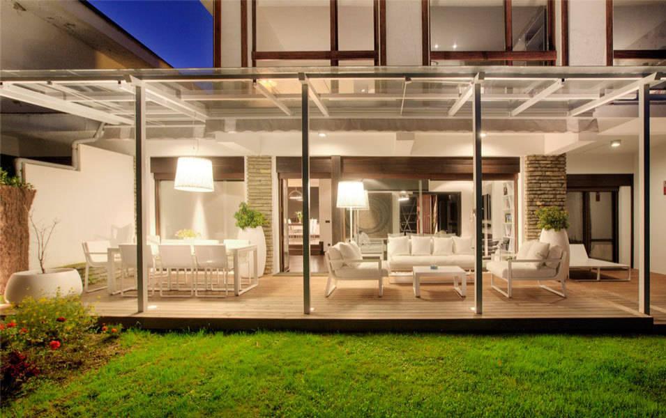 Proyecto de decoracion y ejecuci n de vivienda con terraza for Disenos de jardin de invierno