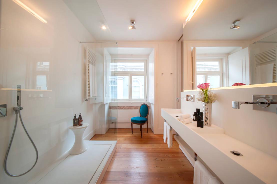6 trucchi per arredare un bagno stretto e lungo for Elementi bagno