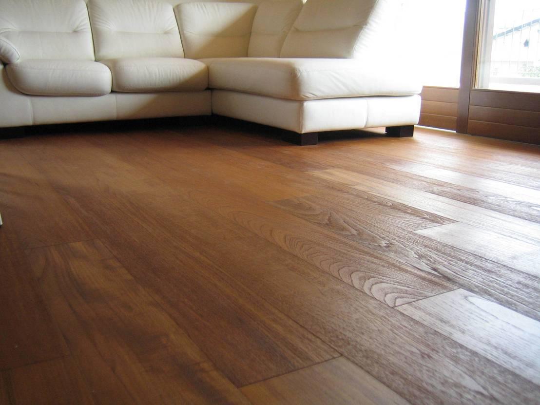 I rivestimenti per i pavimenti il legno teak - Parquet per cucine ...
