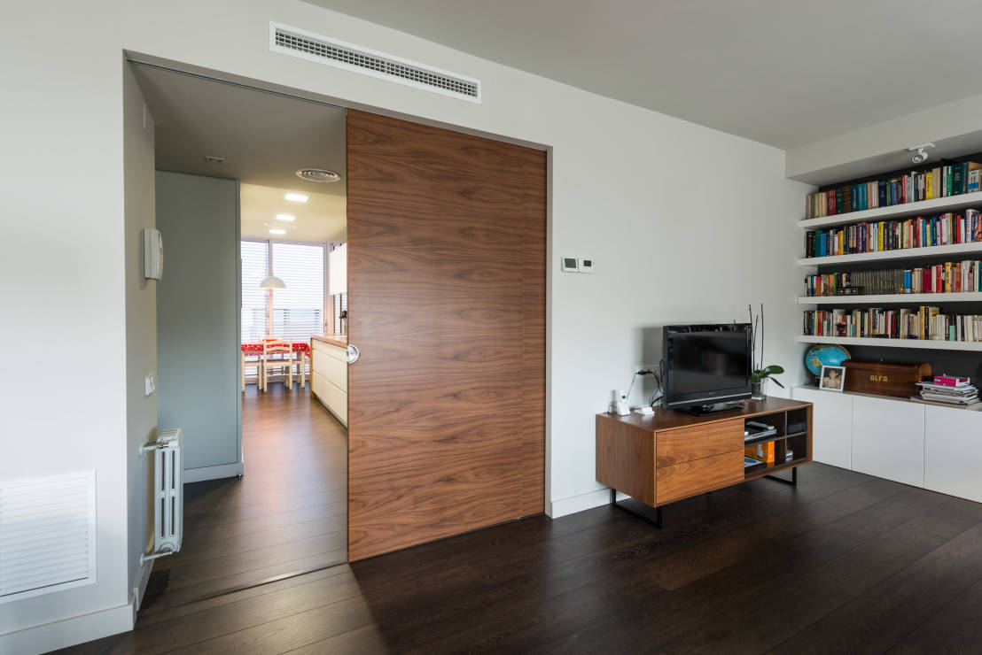 Puertas corredizas para casas modernas ventajas y - Puertas de casas modernas ...