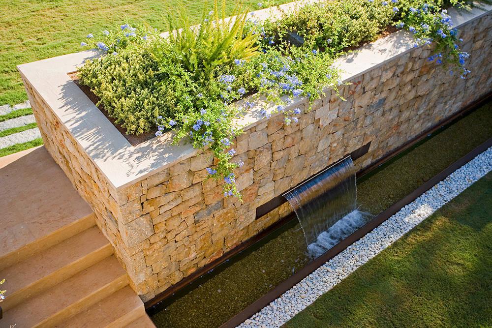 C mo construir una fuente en tu jard n en 7 pasos - Como hacer una fuente de jardin ...