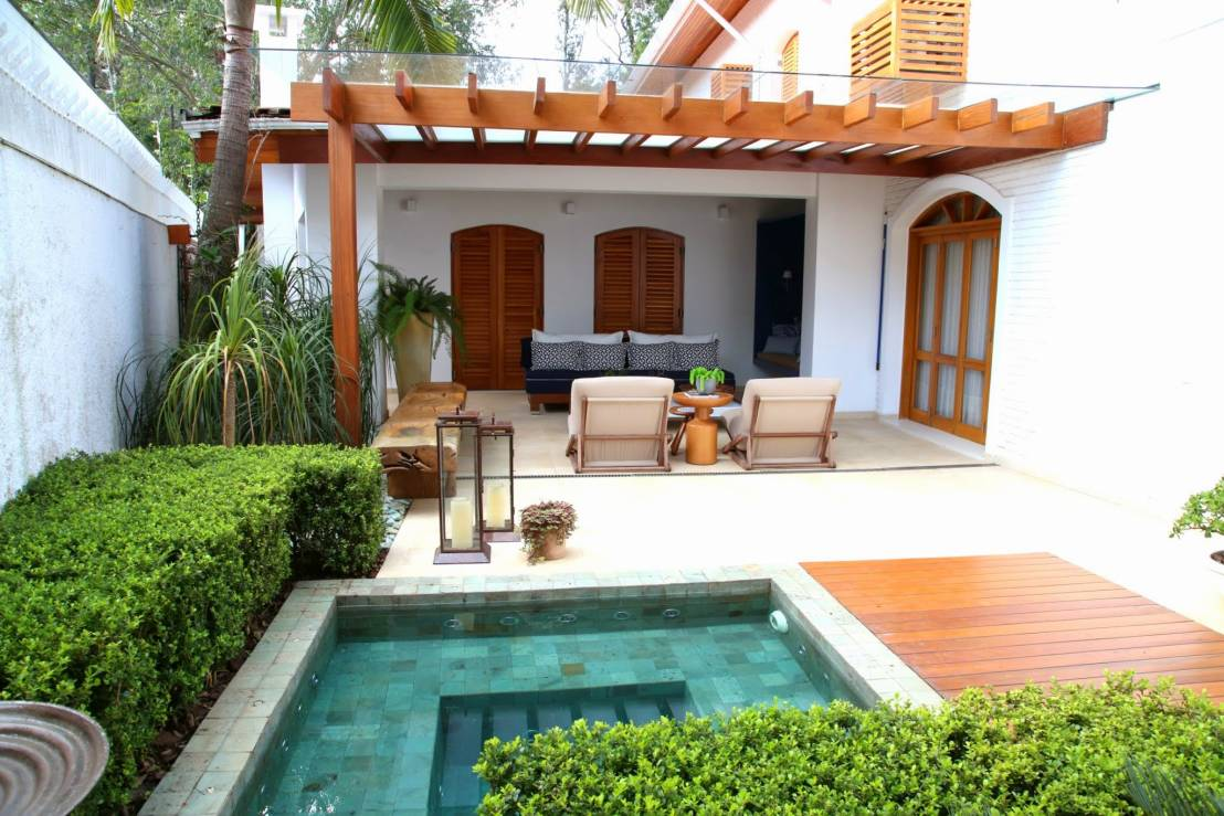 5 ideas para aprovechar mejor los patios peque os for Decoracion patio con piscina