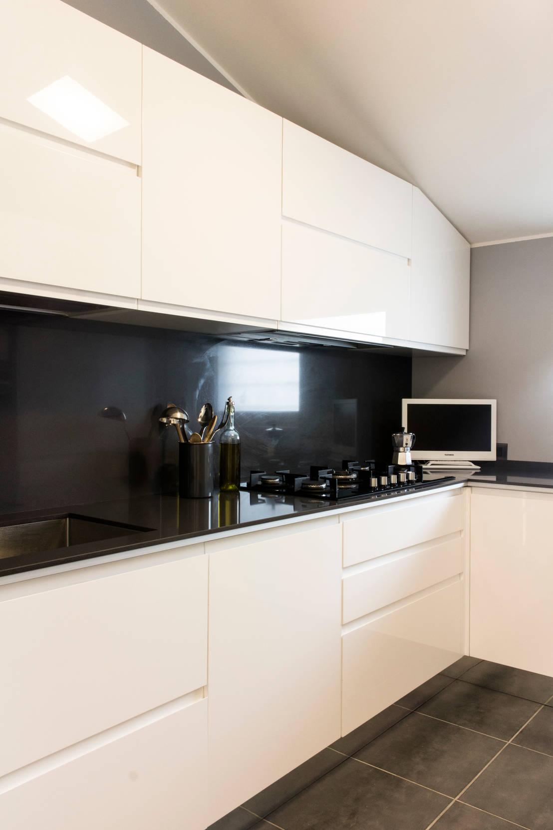 Cucina in bianco e nero - Rivestimento cucina bianco ...
