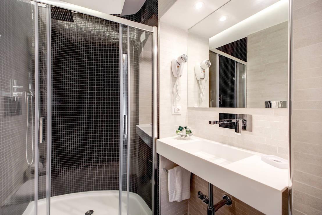 20 foto di bagni moderni insuperabili ma accessibili a tutti - Foto bagni con doccia ...