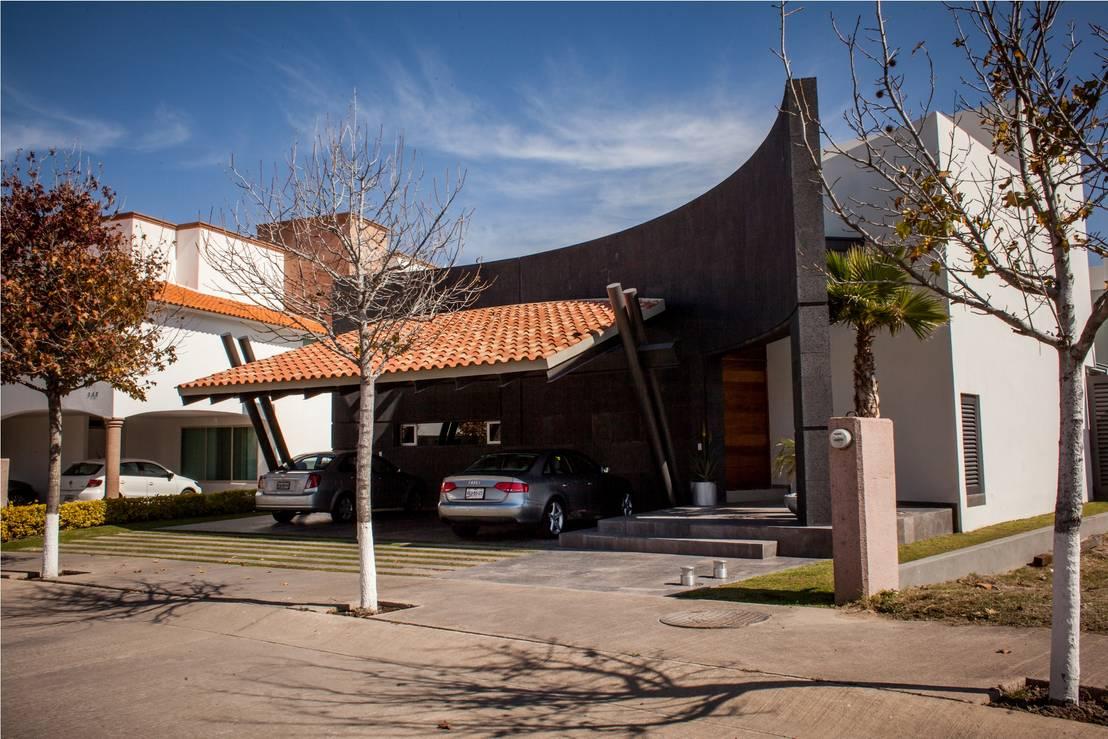 Una casa moderna y llena de sorpresas Casas modernas con teja