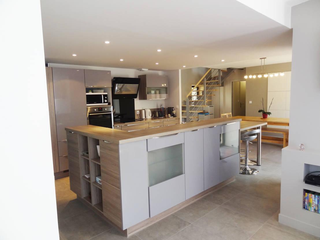 cuisine moderne avec ilot central. Black Bedroom Furniture Sets. Home Design Ideas