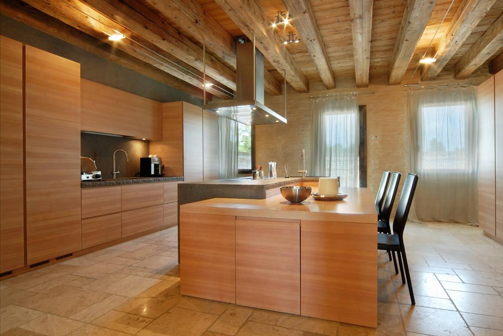 4 cucine che vi faranno innamorare dello stile moderno - Illuminazione bagno soffitto ...