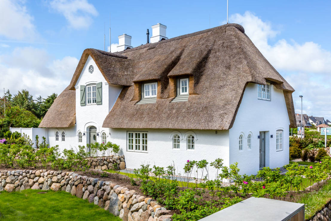 The Chic Postcard Perfect Cottage