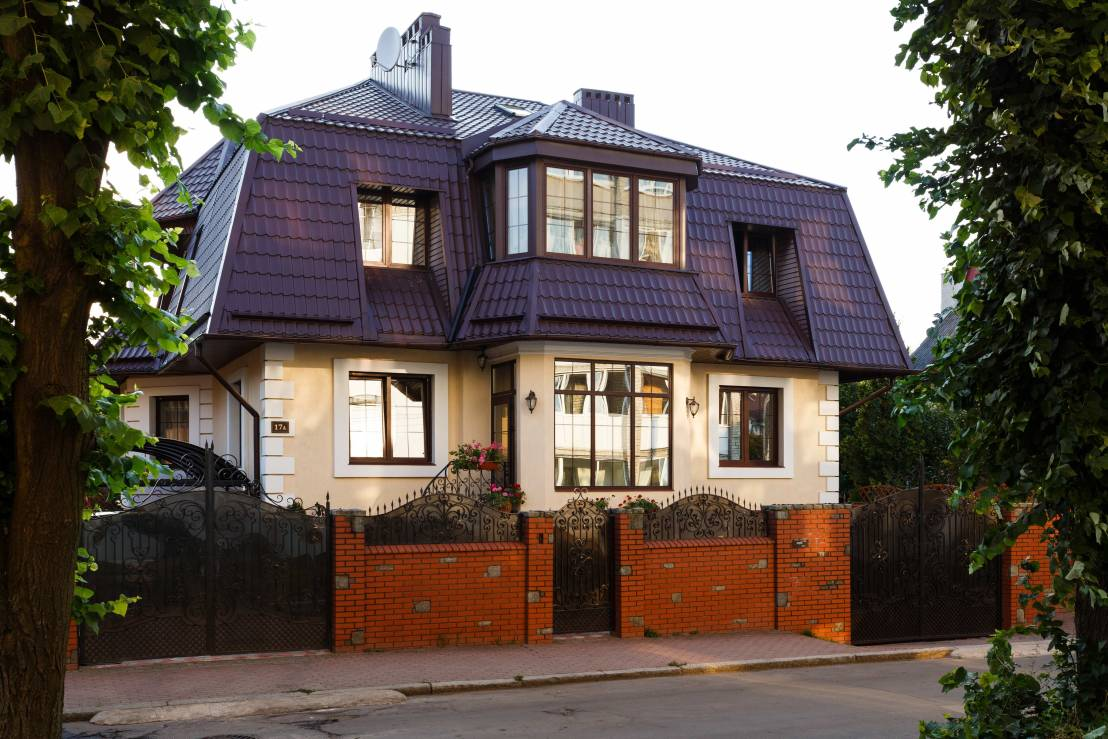 Une charmante maison l 39 int rieur tr s sophistiqu for L interieur d une belle maison