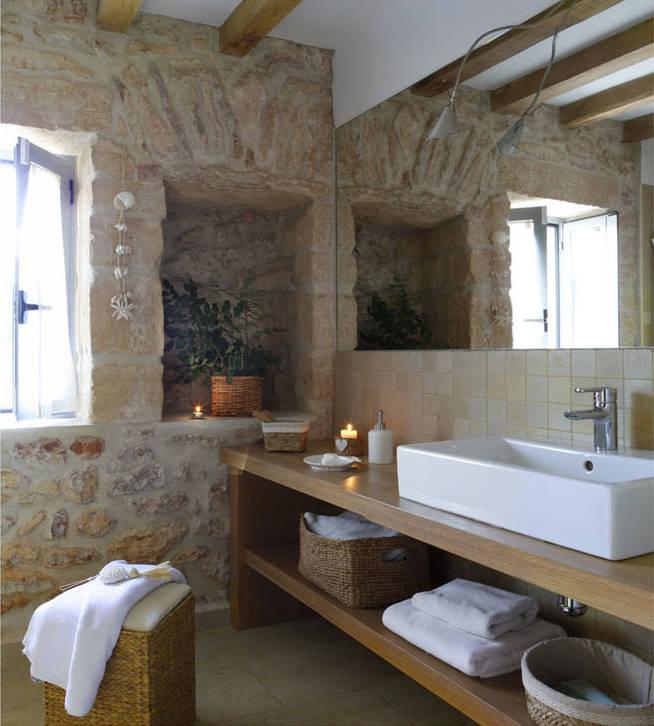 10 superbes salles de bains rustiques. Black Bedroom Furniture Sets. Home Design Ideas