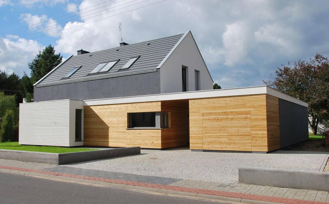 Modernes haus mit twist for Haus mit satteldach moderne architektur