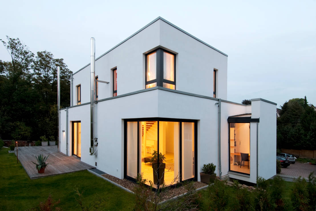 uma casa familiar muito moderna. Black Bedroom Furniture Sets. Home Design Ideas