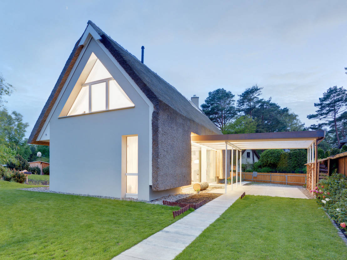 The many benefits of adding eaves onto your house for Building onto a house