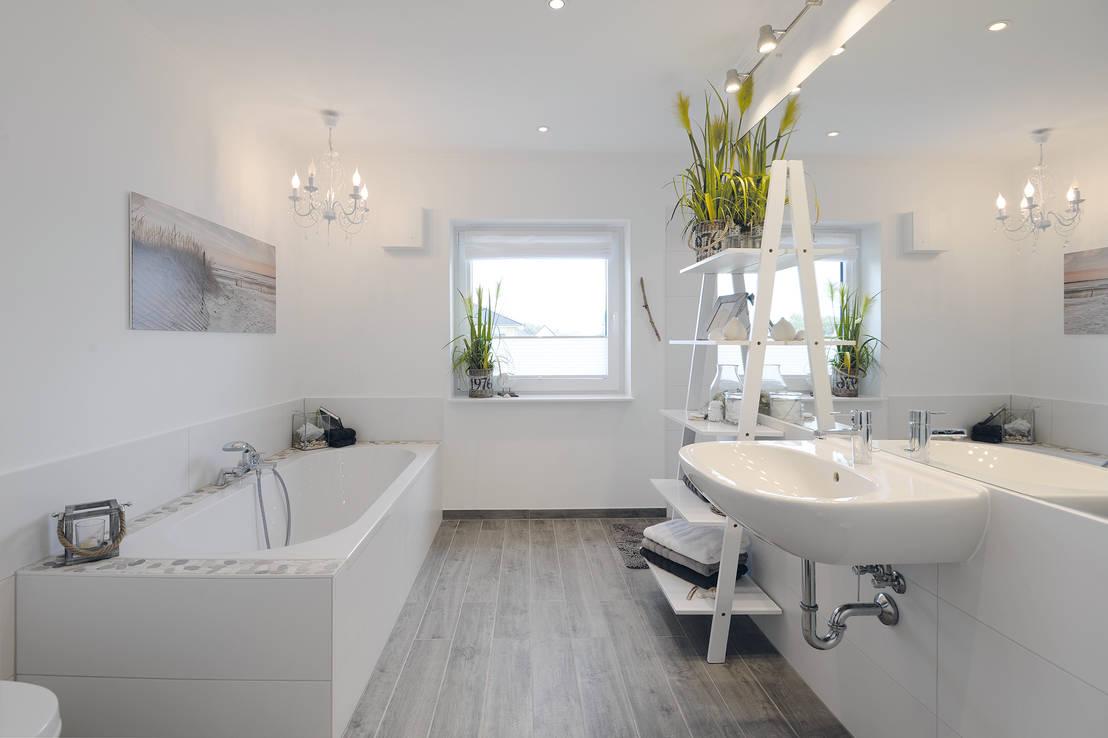 LUZ y CLASE: Cuartos de baño en color blanco