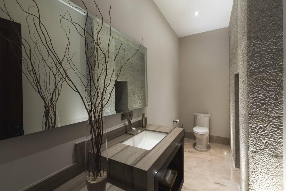 Ba os modernos 10 espejos para verte mejor for Focos para espejos de bano