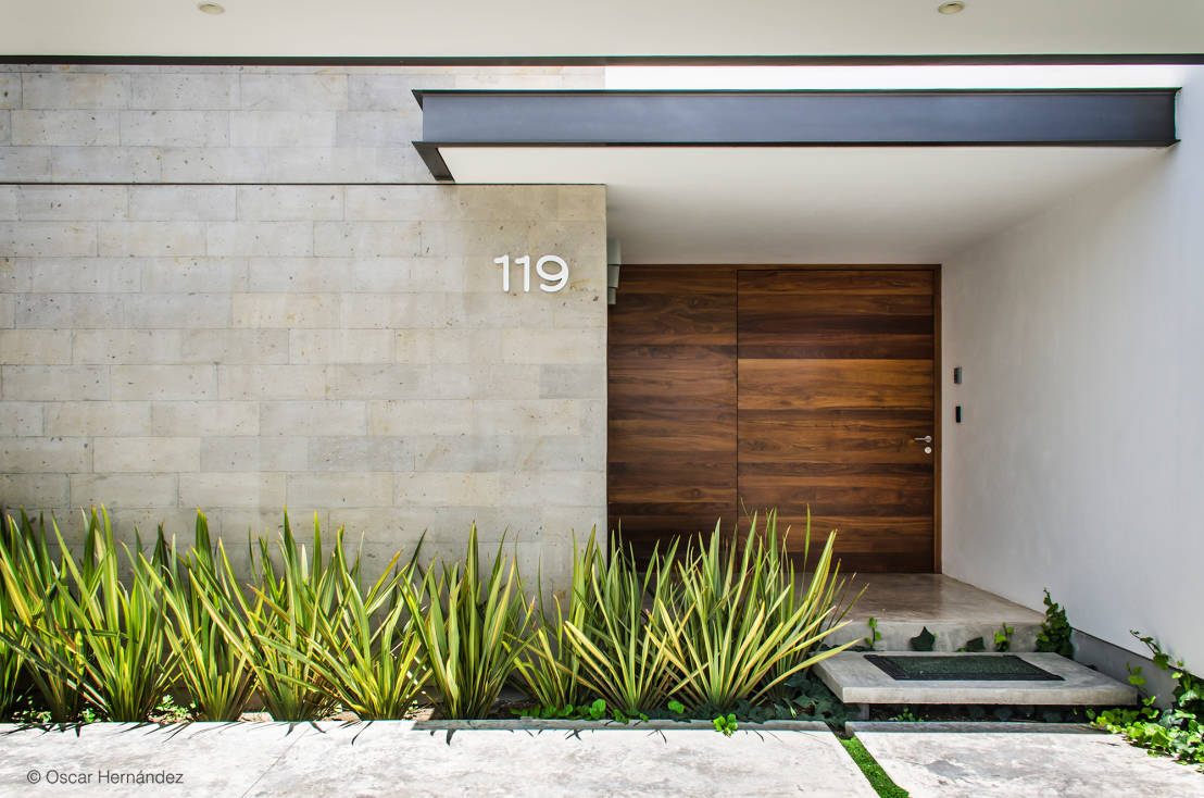 7 dise os modernos de puertas de madera for Puertas de entrada de casas modernas