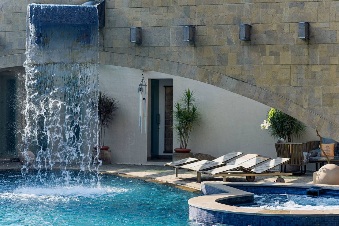 Fuentes de agua fuentes de inspiraci n for Cascadas modernas para jardin