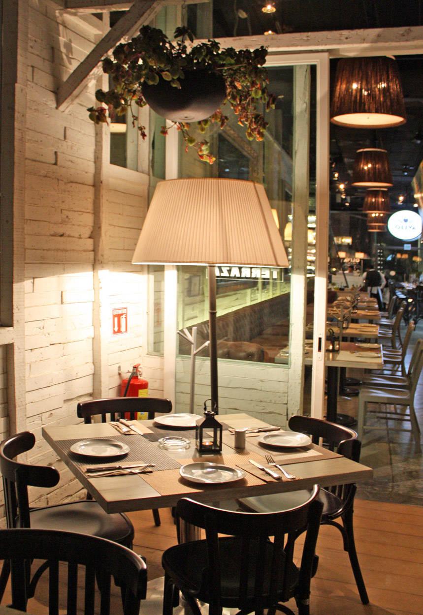 marketing plan the lighthouse restaurant essay